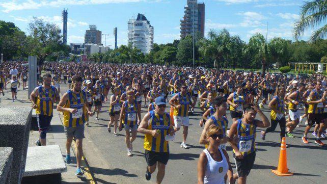 Se corre la novena edición del Maratón Canalla que culminará en el Gigante de Arroyito