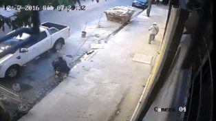 Baleó al ladrón que intentó asaltarlo en su camioneta