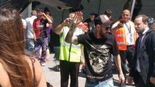 Lionel Messi fue fotografiado al arribar al aeropuerto de Rosario. (Foto Twitter)