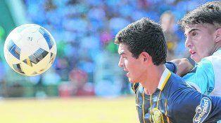Pura desfachatez. Lovera se bancó la marca pegajosa de los defensores de Belgrano y además mostró sus condiciones.
