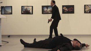Así fue ejecutado el embajador ruso en Turquia