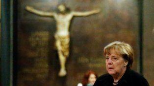 Muy Golpeada. La canciller germana es consciente del descontento que genera su política migratoria.
