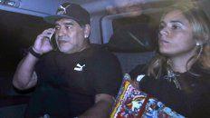 Maradona y Rocío en Ezeiza.