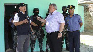 Moyano dialoga con el gobernador de Corrientes Ricardo Colombi.