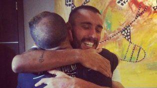 Emotivo homenaje a un sobreviviente de la tragedia de Chapecoense en un partido a beneficio