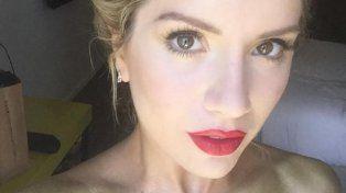 El sensual body painting de Laurita Fernández terminó con un inconveniente
