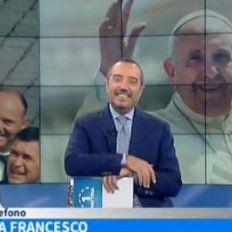 Los conductoresFranco Di MareyFrancesca Fialdinifueron informados por sus productores de que tenían lacomunicación telefónica con Francisco.