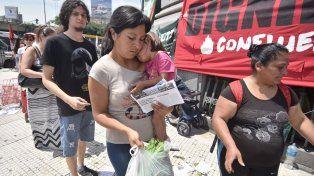 Regalan 15 mil kilos de verdura en un acto de protesta por los problemas del campo