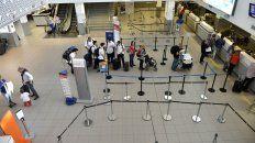 demoras y vuelos reprogramados en el aeropuerto de rosario por el temporal