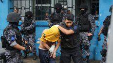trasladaron a 300 presos de comisarias a los nuevos modulos de la carcel de pinero