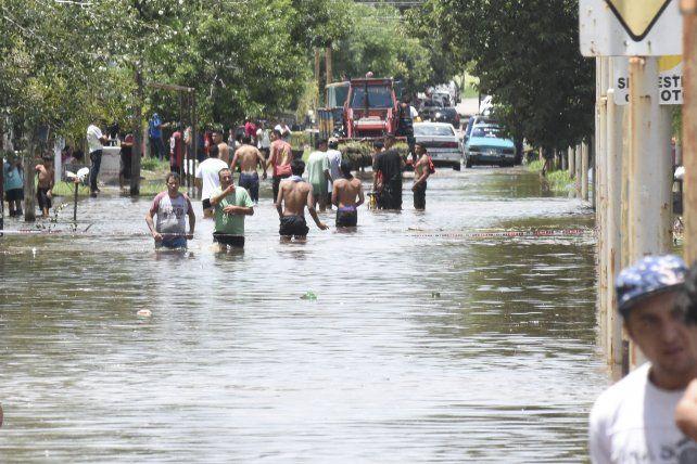 Incidentes y represión en Pergamino tras los reclamos de ayuda por las inundaciones
