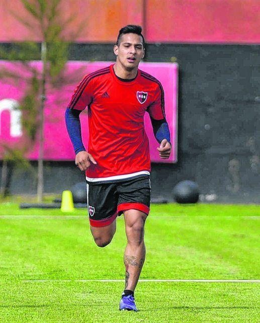 A cirugía. Tevez sufrió una fractura del quinto metatarsiano del pie derecho. Será una de las bajas que tendrá Osella por varios meses.