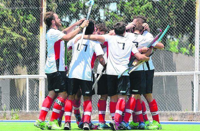 Los mayores obtuvieron el bronce en Tucumán.