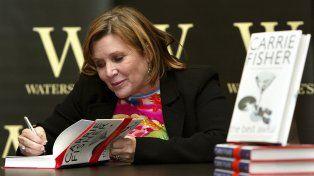 En febrero de 2004 durante la firma de autografos por su libro The Best Awful.