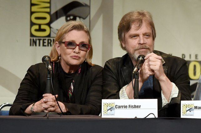 En 2015 durante una conferencia de prensa junto al actor Mark Hamill.