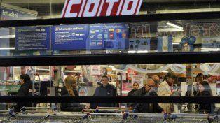 beneficiados. El fallo autoriza a abrir los domingos a Coto y Carrefour.