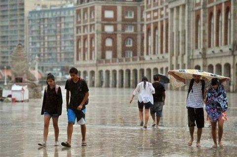 Diferencia. Hay sitios (que no son argentinos) donde no se cobra el día lluvioso en el total de las estadías.