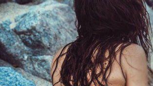 las fotos hot de jimena baron, enarenada y de espaldas