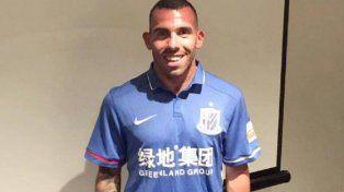 Carlitos ya se calzó la pilcha de Shanghai Greenland Shenhua.