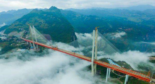 La obra forma parte de una autopista que une las ciudades de Hangzhou