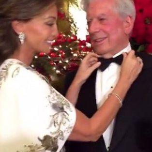 El escritor Vargas Llosa y su actual mujer Isabel Preysler se sumaron a la moda mundial de filmarse como estatuas.