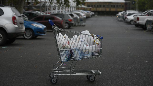 La provincia inspeccionará los supermercados que abran a mediados de enero