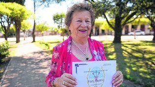 Diplomada. Beatriz Forti integra la primera promoción de la escuela media para adultos