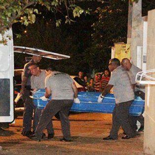 un hombre mato a su expareja, a su hijo y a 10 personas mas y se suicido en brasil