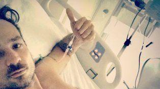 El músico se sacó una selfie en la sala de terapia intensiva y le mandó un mensaje a sus seguidores.