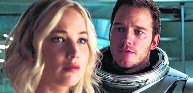héroes. Jenniffer Lawrence y Chris Pratt interpretan a la única pareja que despierta por error 90 años antes de llegar a destino.
