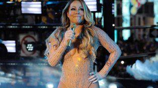 La cantante pareció sufrir problemas técnicos durante su actuación en directo desde la icónica plaza neoyorquina el sábado.