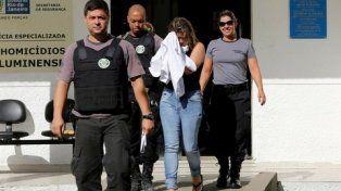 complicada. La viuda del embajador griego permanece detenida en Río.