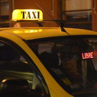 daniela leon pide que se revise el plazo de caducidad de las licencias de taxis