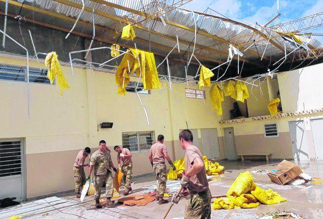 la reconstrucción. La voladura de techos fue uno de los golpes fuertes que recibió la ciudad