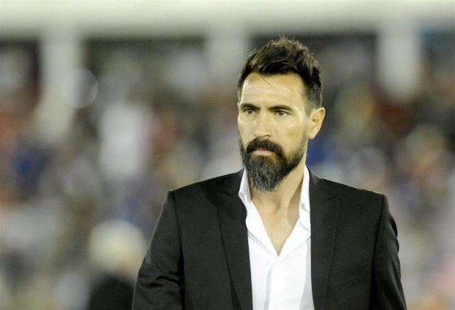 Eduardo Domínguez llegó a un acuerdo para ser el nuevo técnico de Colón.