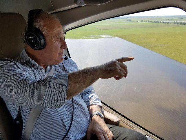 El gobernador recorrió las zonas afectadas por el temporal.