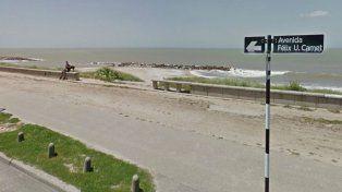 Las víctimas fueron baleadas desde una camioneta en la costanera