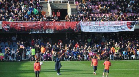 Messi y un recibimiento en rojo y negro