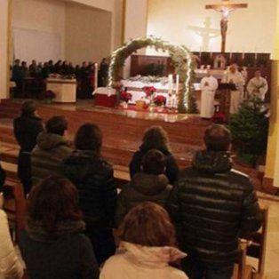 acusan a un sacerdote de organizar orgias en su parroquia con 15 amantes y prostituirlas