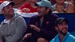 Federer perdió un partido pero no el humor e hizo delirar al estadio con un poco de mímica