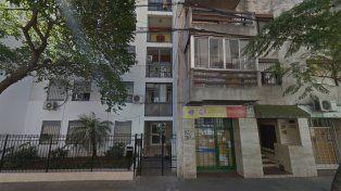 Un hombre resultó herido luego de intentar rescatar a un gato y caer desde un tercer piso.