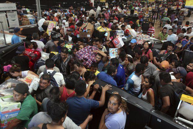 Un hombre murió atropellado durante un saqueo en el Estado de Veracruz.