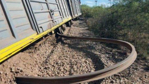 El calor hizo descarrilar un tren en Catamarca