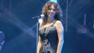 Miradas. La ex vocalista de La Torre buscó en todo momento la complicidad del público del festival.