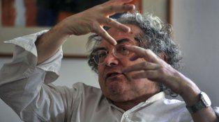 La muerte lo sorprendió a poco de haber publicado la segunda parte de Los diarios de Emilio Renzi.