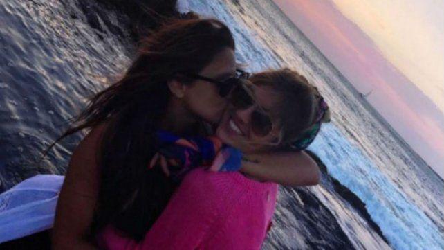 Llegó la foto del triunfo de la amistad entre Barbie Vélez y Candela Ruggeri