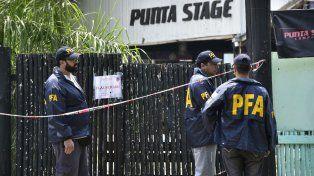 Efectivos federales realizaron tareas en el boliche donde hubo una fiesta electrónica en Arroyo Seco, en el marco de las investigaciones judiciales.