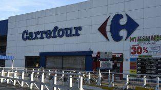 Todo normal. Carrefour es uno de los que abrirán hoy sus puertas.