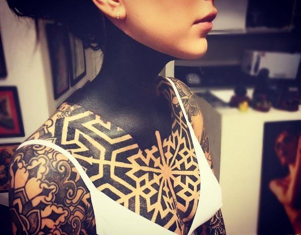 Cande Tinellu y sus tatuajes.