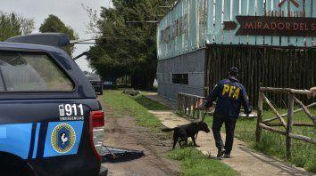 En la mira. La policía federal allanó el boliche de Arroyo Seco tras la fatídica madrugada del 1º de enero en la que murieron dos jóvenes.